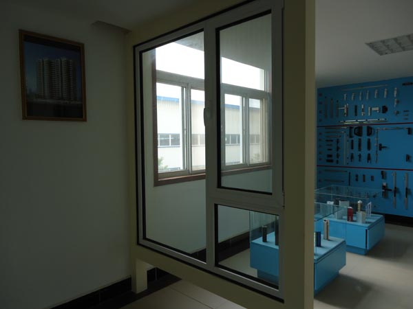 武汉金属门窗的主要组成部分有哪些?